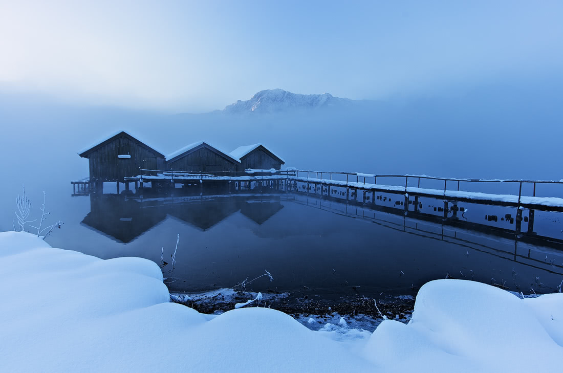 Bayern Bavaria Alps Alpen Kochel am See fischerhütte barn winter wonderland