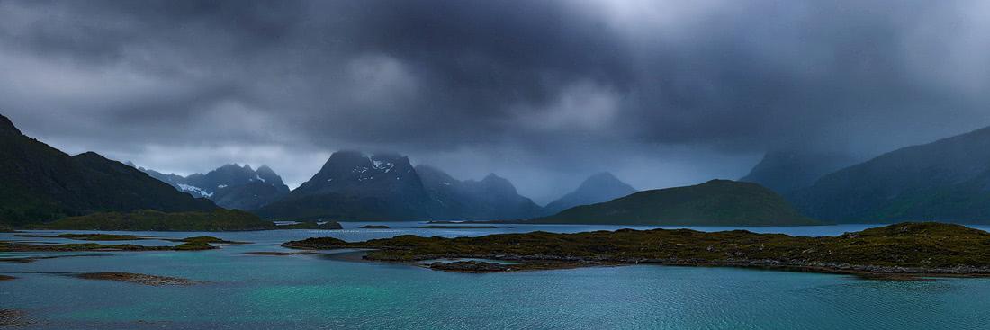 fredvang-norway-northern-moody-bad-weather lofoten northern