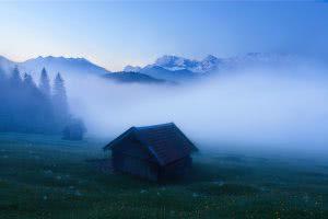 blaue stunde geroldsee wetterstein karwendel bayern bavaria barn foggy morning karwendel Alps Alpen