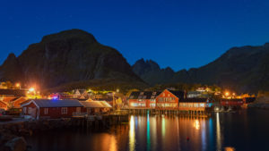 lofoten norway northern moskenes reine moskenesoya munken hermansdaltinden aurora northern lights